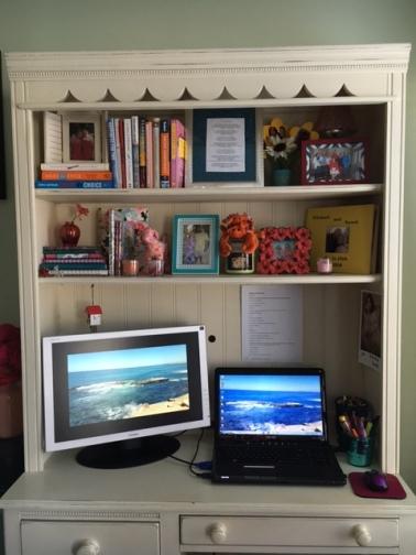 joyful desk space
